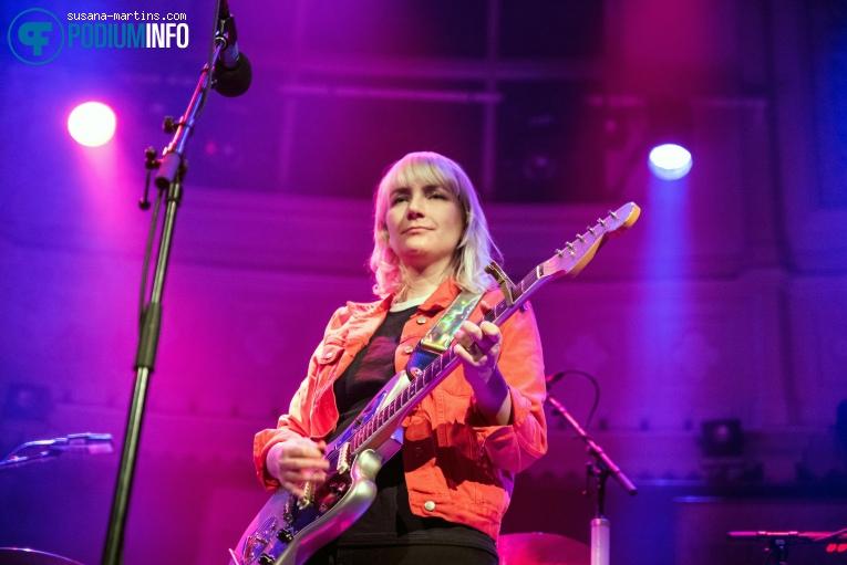 Katie Harkin op Sleater-Kinney - 19/02 - Paradiso foto