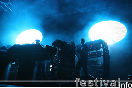 Foto The Chemical Brothers op Roskilde 2008
