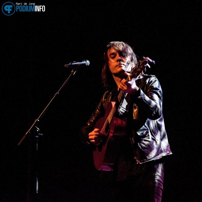 Foto Lian Ray op Ásgeir - 18/02 - Theater Rotterdam
