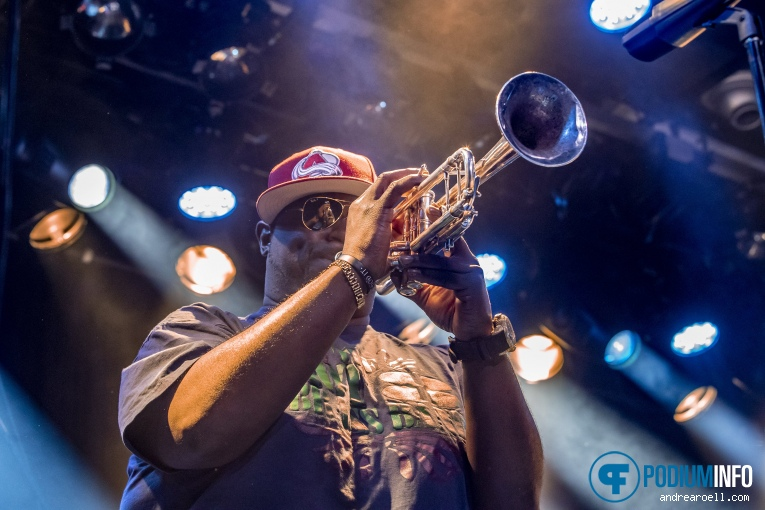 Hot 8 Brass Band op Hot 8 Brass band foto