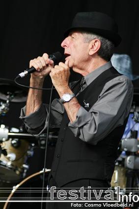 Leonard Cohen op Benicàssim 2008 foto