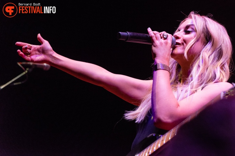 Lindsay Ell op Country To Country 2020 foto