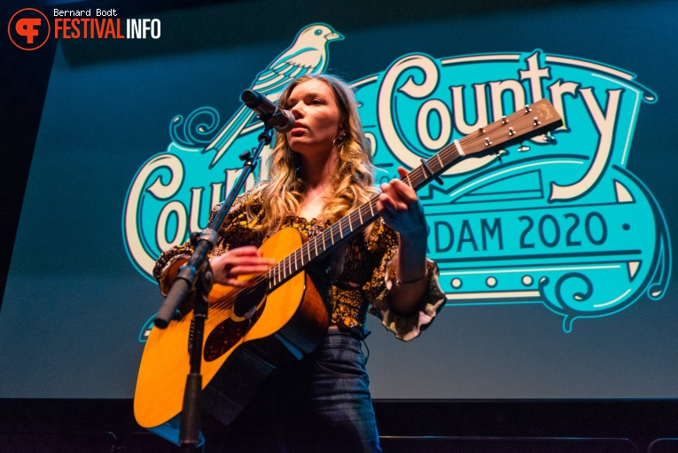 Hannah Mae op Country To Country 2020 foto
