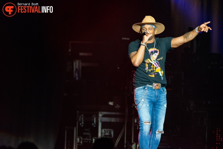 Jimmie Allen op Country To Country 2020 foto