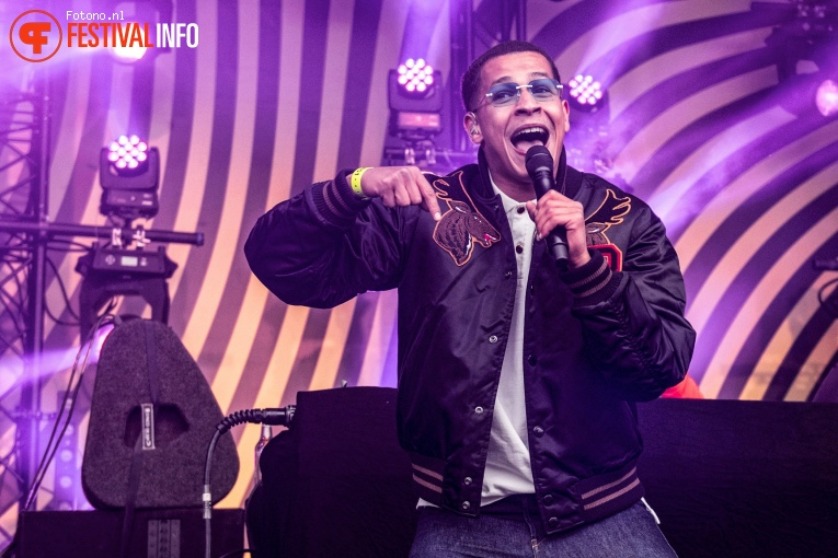 Bilal Wahib op Back to Live Fieldlab festival pop foto