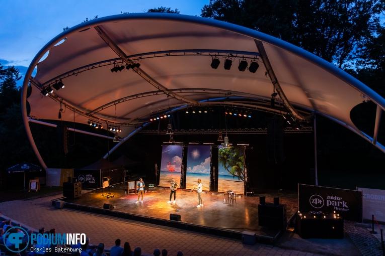 Guido Weijers op Andries Tunru/Guido Weijers/Ruud Smulders - 25/07 - Zuiderparktheater foto