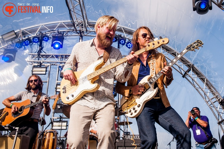 DeWolff op Back to the Rivers 2021 foto