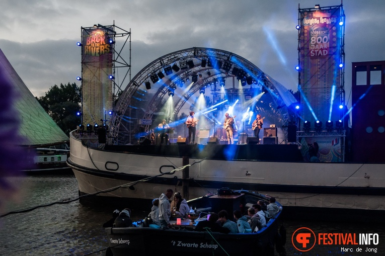 The Dawn Brothers op Back to the Rivers 2021 foto