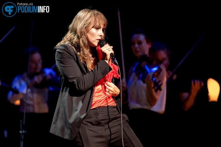 Wende Snijders op Wende & Amsterdam Sinfonietta - 16/07 - Koninklijk Theater Carré foto