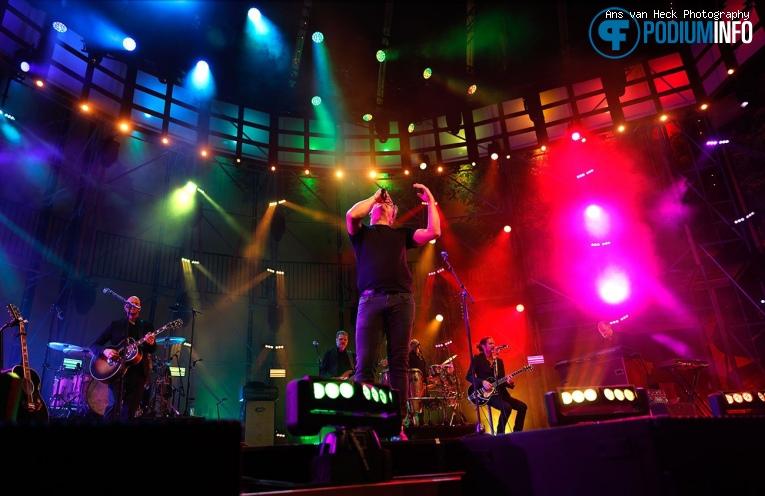 Guus Meeuwis op Het Zomer Theater: Guus Meeuwis - 23/07 - Pettelaarse Schans foto