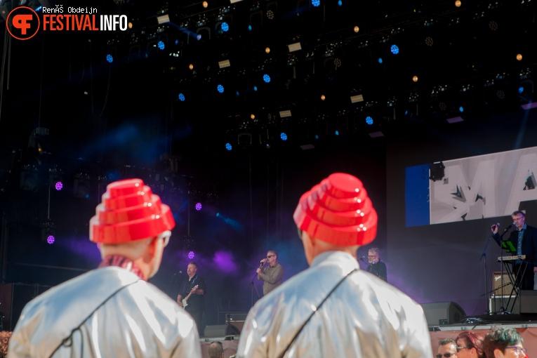 Kissing The Pink op W-Fest 2021 foto