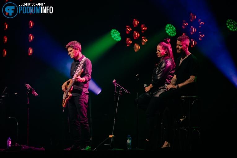 Marcel Fisser Band op Floor Jansen - 1/9 - Afas Live foto