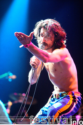 Gogol Bordello op Lowlands 2008 foto