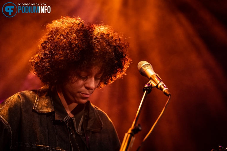 Nana Adjoa op Nana Adjoa - 8/10 - Metropool foto