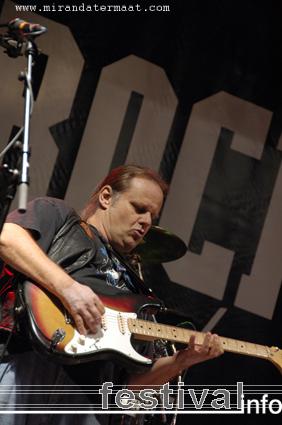 Walter Trout op Bluesrock Festival Tegelen 2008 foto
