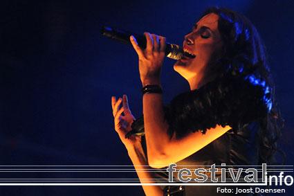 Within Temptation op Appelpop 2008 foto
