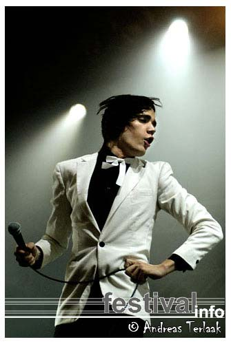 Foto The Hives op Lowlands 2004