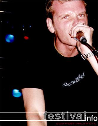 Foto Born From Pain op Resistance Tour 2002