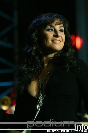 Trijntje Oosterhuis op Top 2000 in Concert - 11/12 - Heineken Music Hall foto