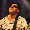 Foto Paul Carrack te Bospop 2009