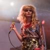 Foto The Asteroids Galaxy Tour op Bevrijdingsfestival Overijssel 2012
