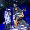 Podiuminfo review: Slash - 26/2 - 013