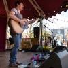 Foto Jaimi Faulkner te Bevrijdingsfestival Overijssel 2013