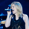 Podiuminfo review: Kelly Clarkson - 6/4 - HMH