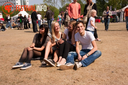 Sfeerfoto Bevrijdingsfestival Overijssel - 5 mei 2011