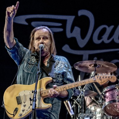 review: Walter Trout -26/4 - Doornroosje Walter Trout