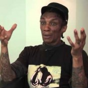 Video: Tricky hekelt hedendaagse popartiesten
