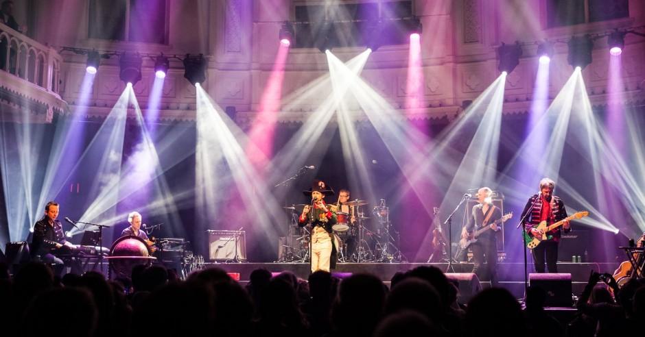 Bekijk de The Divine Comedy - 19/02 - Paradiso foto's