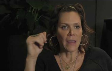 Video: Verslavingsverleden motiveert Beth Hart