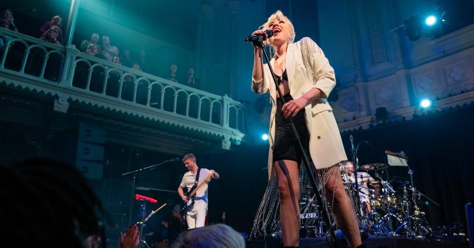 Bekijk de Carly Rae Jepsen - 12/02 - Paradiso foto's