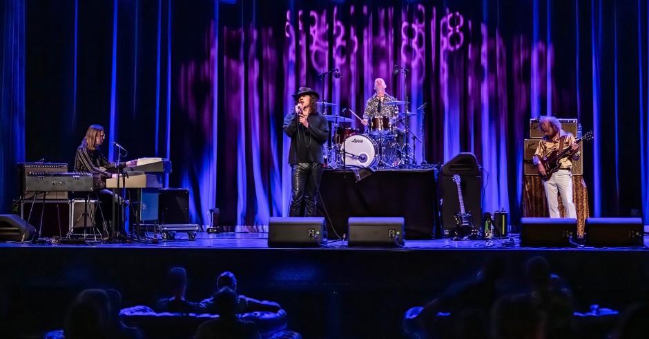 Bekijk de The Doors Alive - 10/07 - Podium Victorie foto's