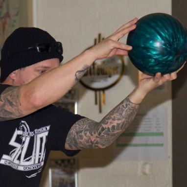 Metal Bowling