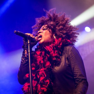 review: Macy Grey - 23/03 - TivoliVredenburg Macy Gray