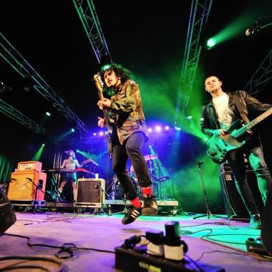 review: Amsterdam Woods Festival 2016 - vrijdag Sticky Fingers