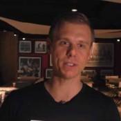 Armin van Buuren verslaafd aan optreden video