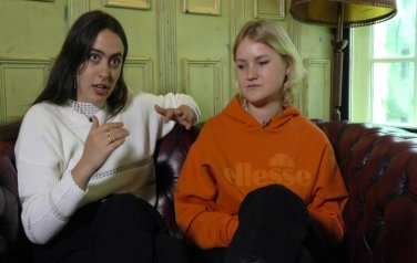 Video: Hinds interview - Ana and Amber (part 1)