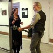 Video: 1 minute till showtime: Rowwen Heze