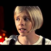 Video: Aurora - Murder Song (Live @ ESNS 2015)
