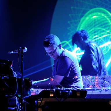 Floating Points news_groot