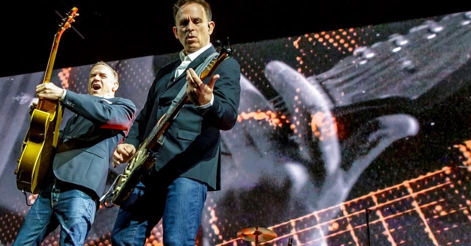 Bekijk de Bryan Adams - 17/6 - Ziggo Dome foto's