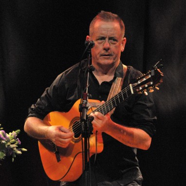 review: Luka Bloom - 30/11 - TivoliVredenburg Luka Bloom