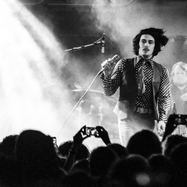 review: The Growlers -1 4/11 - Tolhuistuin The Growlers
