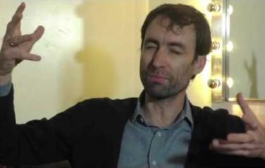 Video: Andrew Bird wantrouwt invloeden van buitenaf