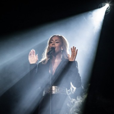 review: WHITNEY, a tribute by Glennis Grace - 08/09 - Ahoy Glennis Grace