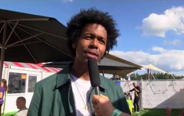 Video: Jeangu Macrooy kan zich geen betere eerste keer Lowlands voorstellen