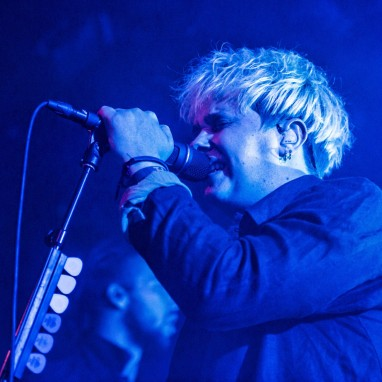 review: Nothing But Thieves - 14/06 - Paradiso Noord Nothing But Thieves